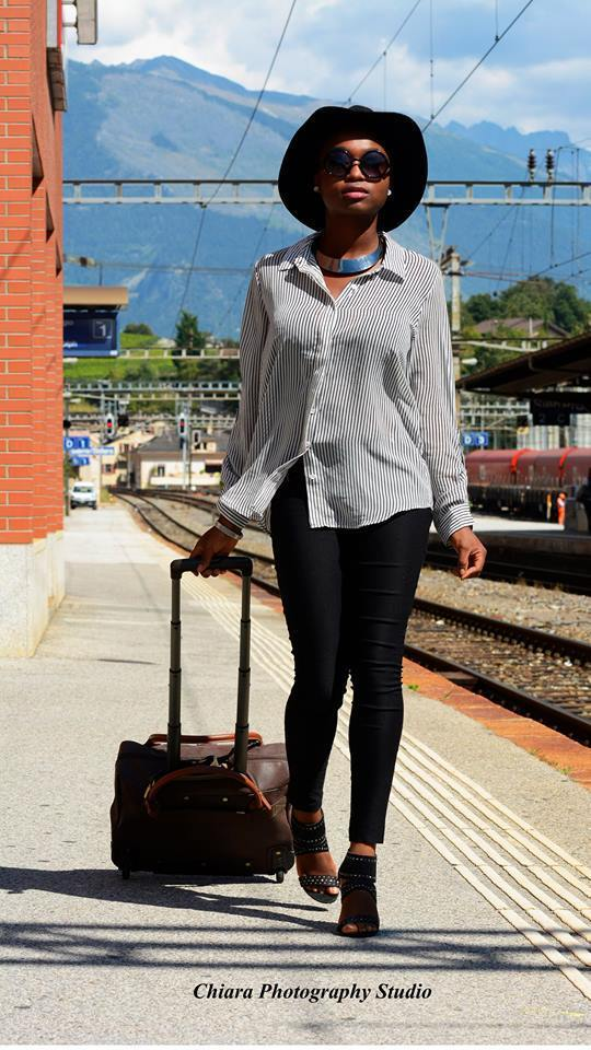 Back to school outfit, blog turning point, stéphanie guillaume, switzerland fashion blogger, forever21 sheer shirt, forever21 sunglasses, lipsy sandals, jump luggage wheel bag, charlotte russe black pants, college, university